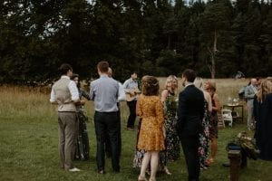 wedding-singer-drinks-receprion-camp-katur-Michael-Mulholland